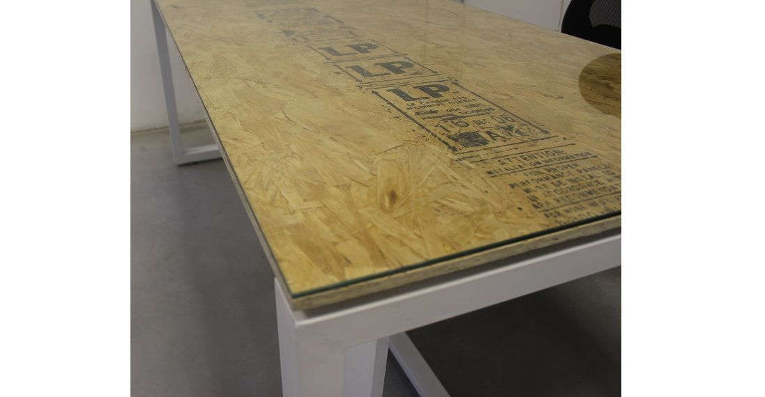 SIGNATURE</BR> שולחן מנהלים