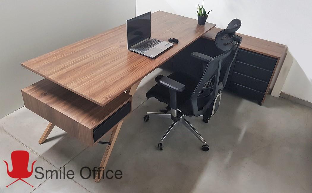 CALIFORNIA </BR> שולחן מנהלים