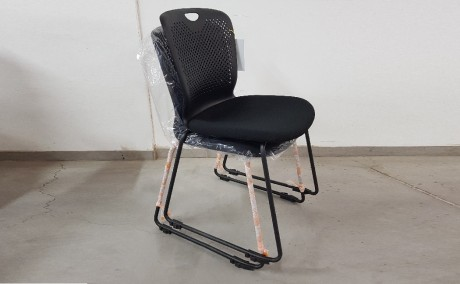 כיסא אורח דגם בנצ'